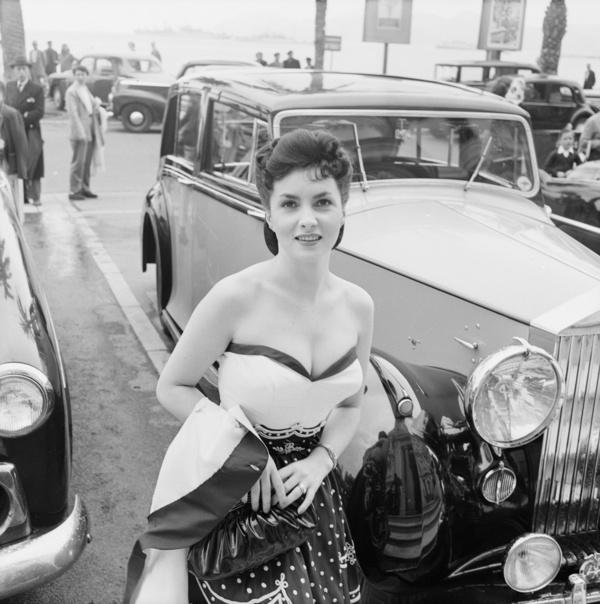 EdwardQuinn_GinaLollobrigida_Cannes1954_RollsRoyce