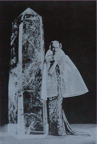 ElsaSchiaparelli_Capedeverre_HarpersBazar_Feb1935_NEW