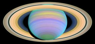 Hubble_SaturnsRings