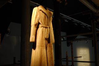 Fendi Design Miami_Design Vertigo_Graham Hudson installation featuring Fendi Vintage Bags and Furs Exhibition 2