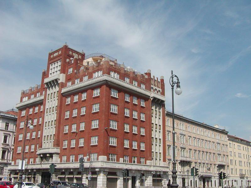 PalazzoAedes_Trieste_byABattista