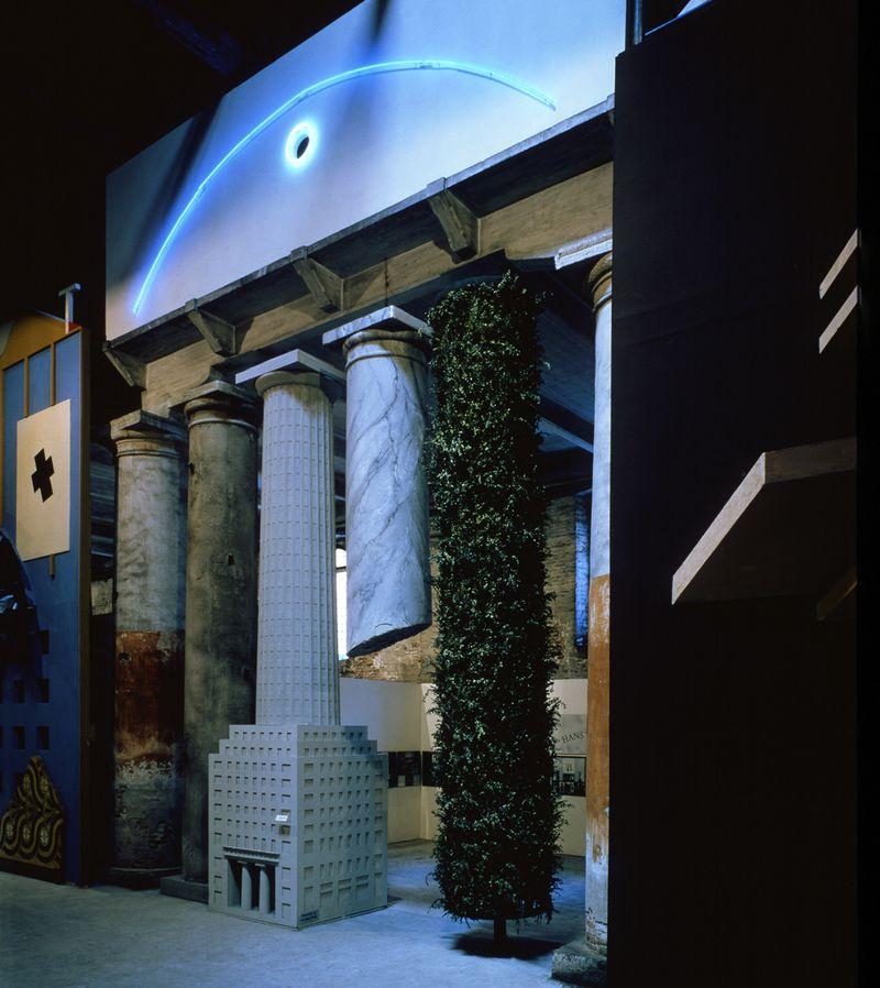 11.Postmodernism_strada_novissima