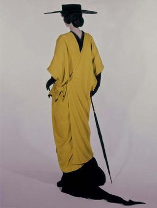 Poiret_yellowmanteau_1913