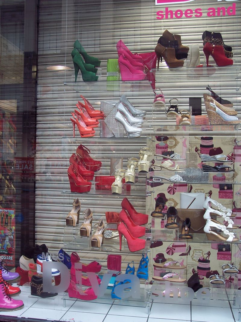 GlasgowShoes_Windows_byAnnaBattista