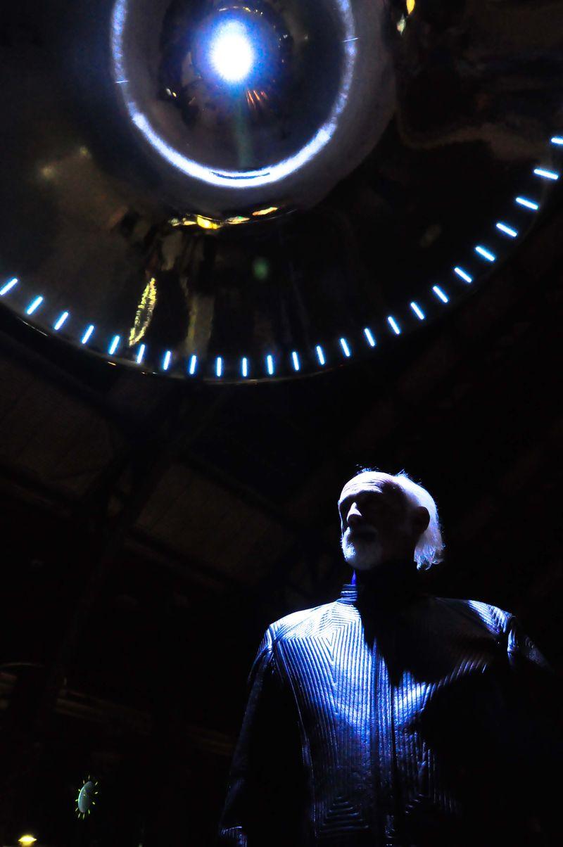 ROSS LOVEGROVE - 1 UFO - phSimona Cupoli