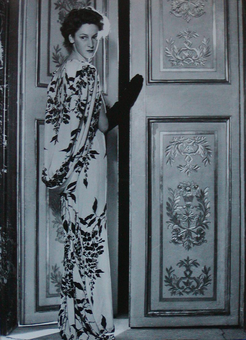 PDeAntonis16_MarellaCaraccioloinGabriellasport_dress_1947