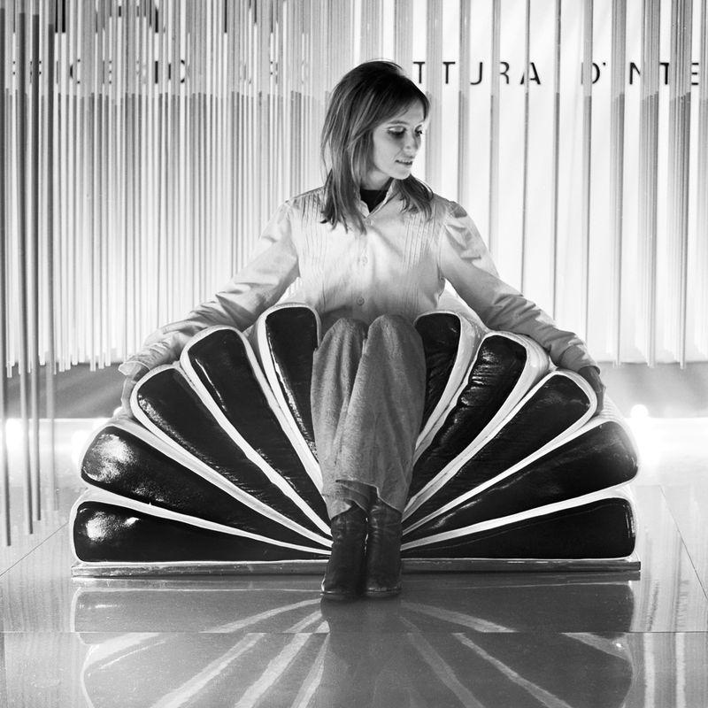 14. Estorick Casali - Libro Chair