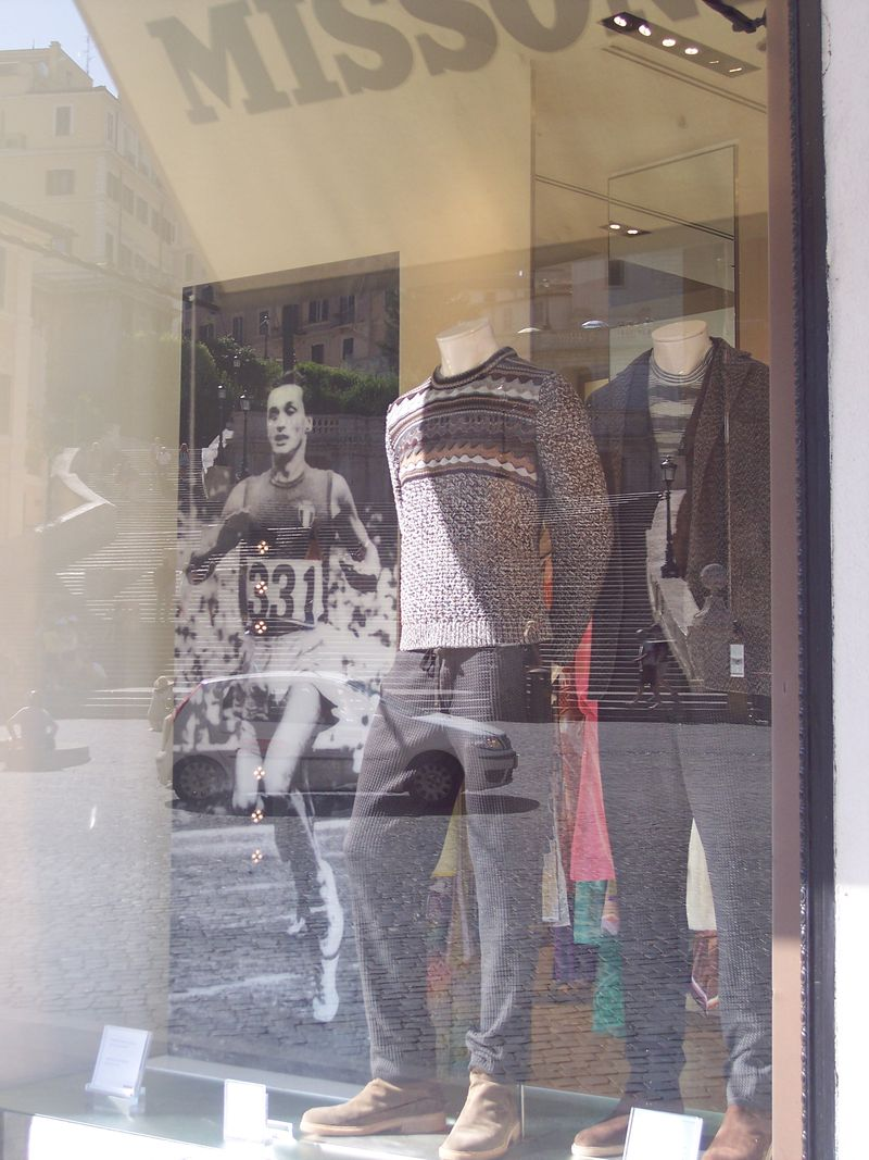 Missoni_WindowShop_PiazzadiSpagna_Rome_byAnnaBattista_August2012