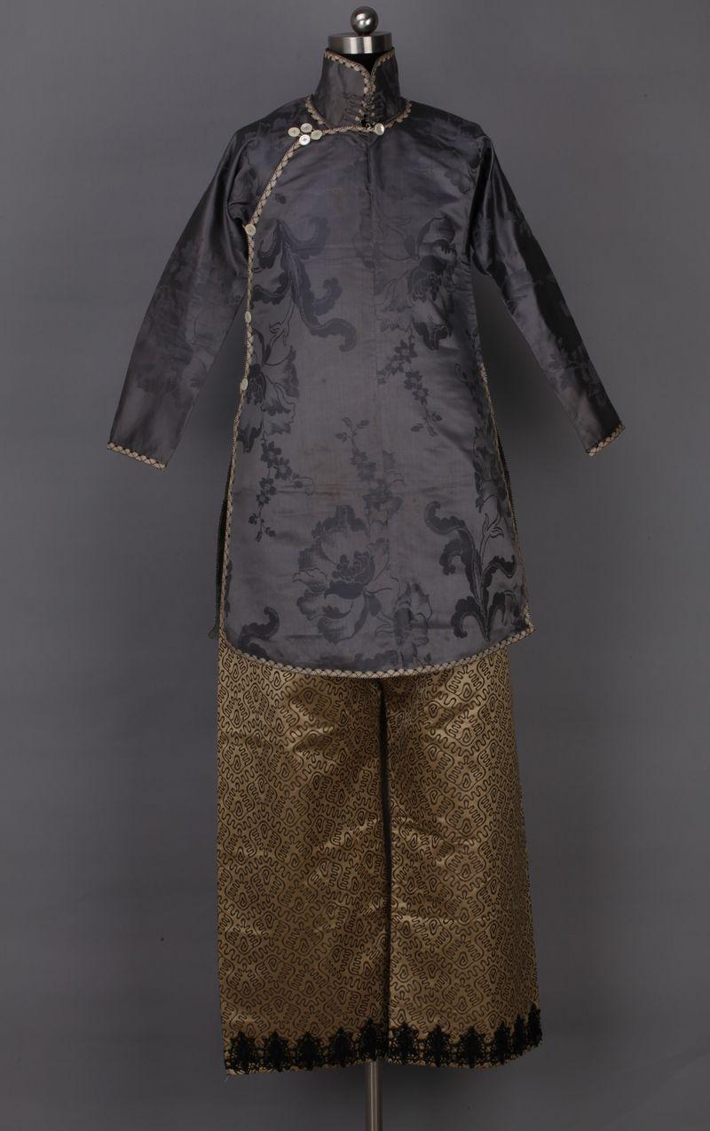 Grey high-collar jacket, 1910s, China National Silk Museum, Hangzhou