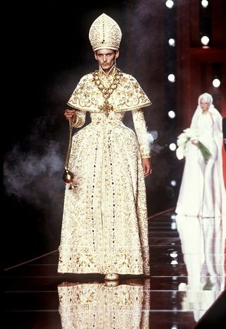 R_Galliano_Dior Haute Couture 2001