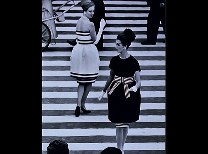 Inand OutofFashion_ModeinFrance_WilliamKlein_ScreensbyAnnaBattista (13)