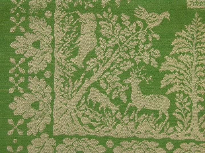 Bath_RE-055b-J-T-Detail-of-the-table-cloth-Marriage-of-a-huntsman-Linencotton-Weaver-Wenzel-Gerätschläger-St.-Stefan-bei-Haslach-Austria-about-C.1930-Textiles-Zentrum-Haslach-720x540