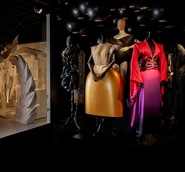 03 A Queen Within, IRIS VAN HERPEN, SERENA GILI, MAISON MARTIN MARGIELA, ALEXANDER MCQUEEN courtesy of Private Collection, JEAN PAUL GAULTIER, Mother Figure Queen,  Photo Sarah Carmody
