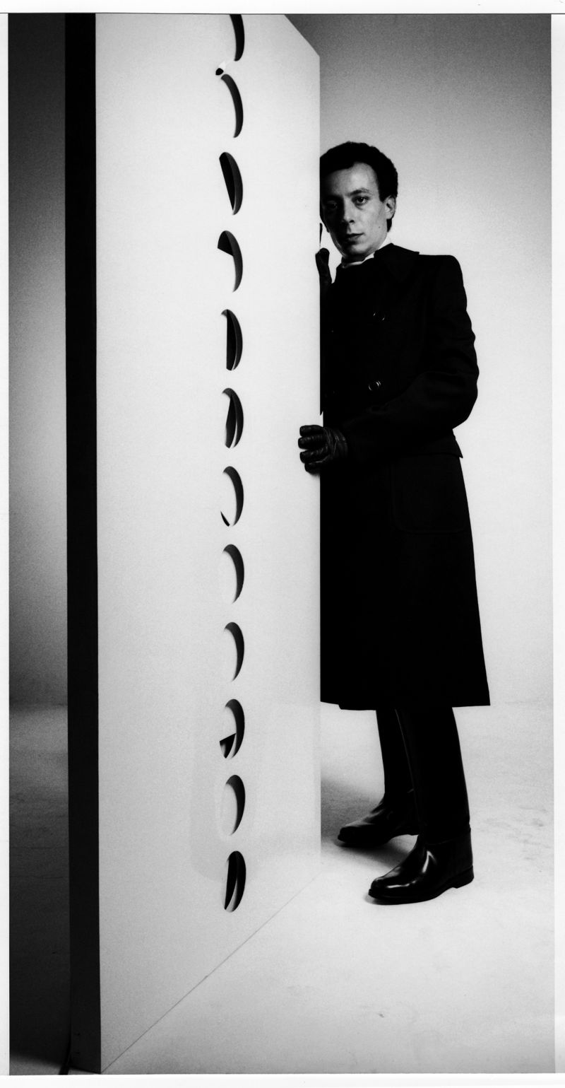 Paolo Scheggi, Uomo Vogue, 1967. Photo Ugo Mulas -® Ugo Mulas Heirs. All rights reserved. Courtesy Archivio Ugo Mulas ÔÇô Galleria Lia Rumma