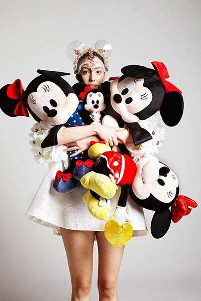 Masion-minnie-mouse-01