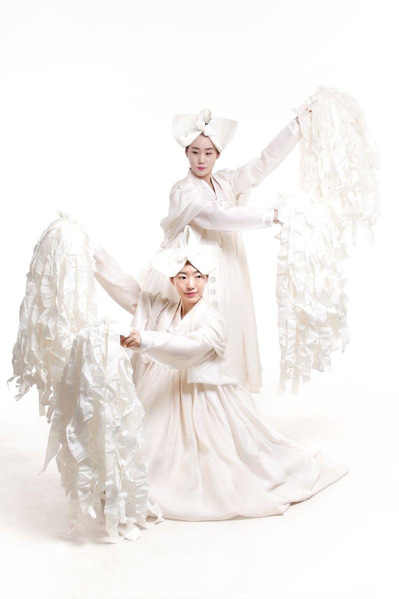 Korean-Dance-03-RECODE-The-Bridging-Colours-White