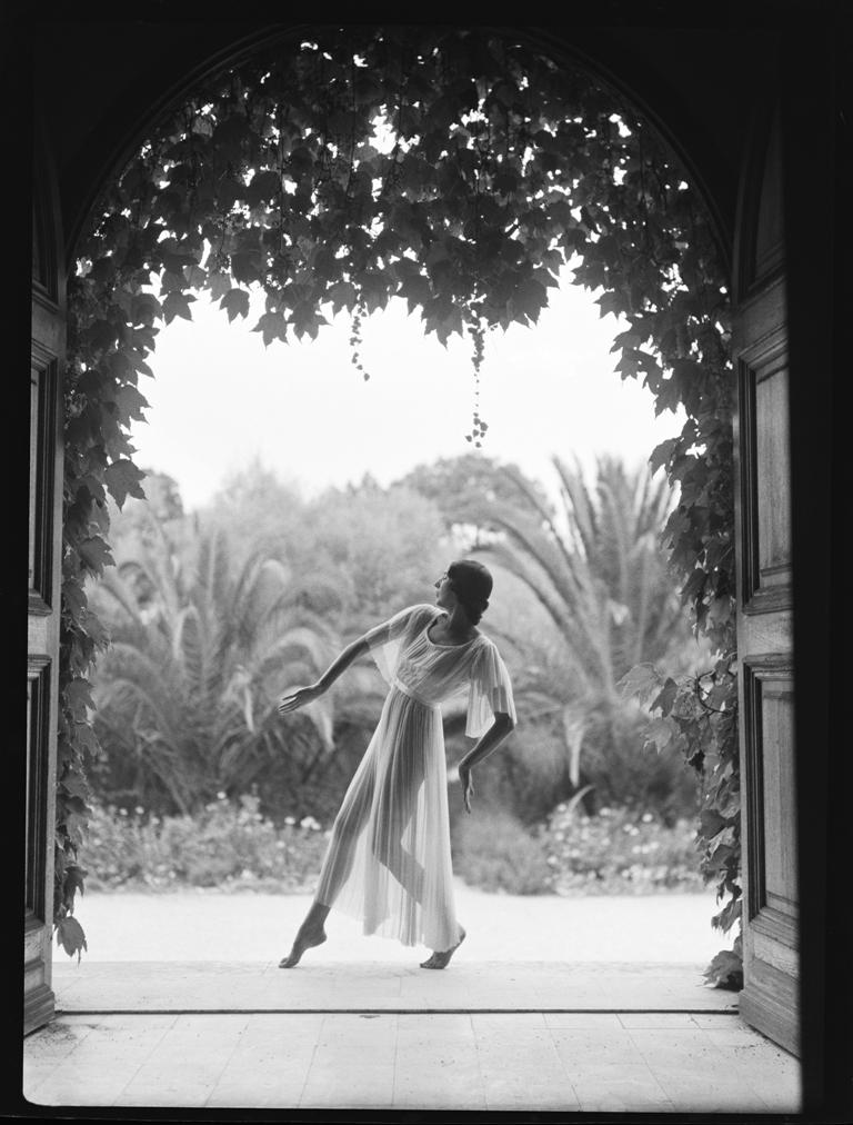 Margaret Morris at Juan-Les-Pins_1923_byFredDaniels