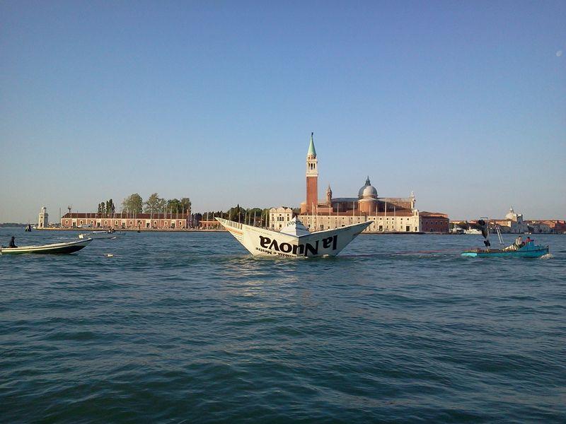 Venice_LampedusaInstallation_2_byAnnaBattista (14)