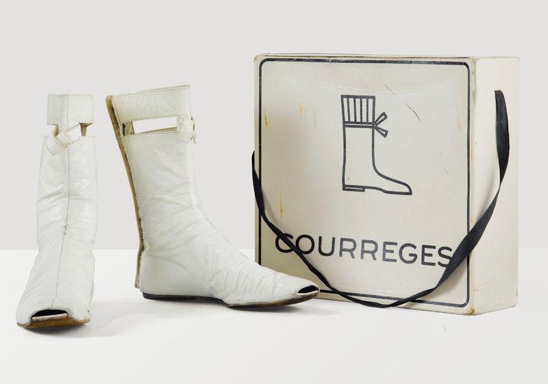 Sothebys_Lot21_Courreges