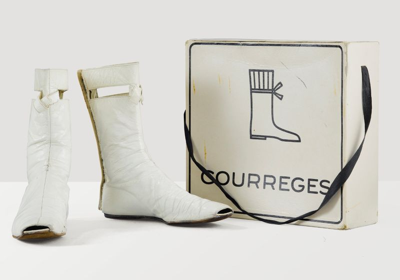 Sothebys_Lot21_Courreges