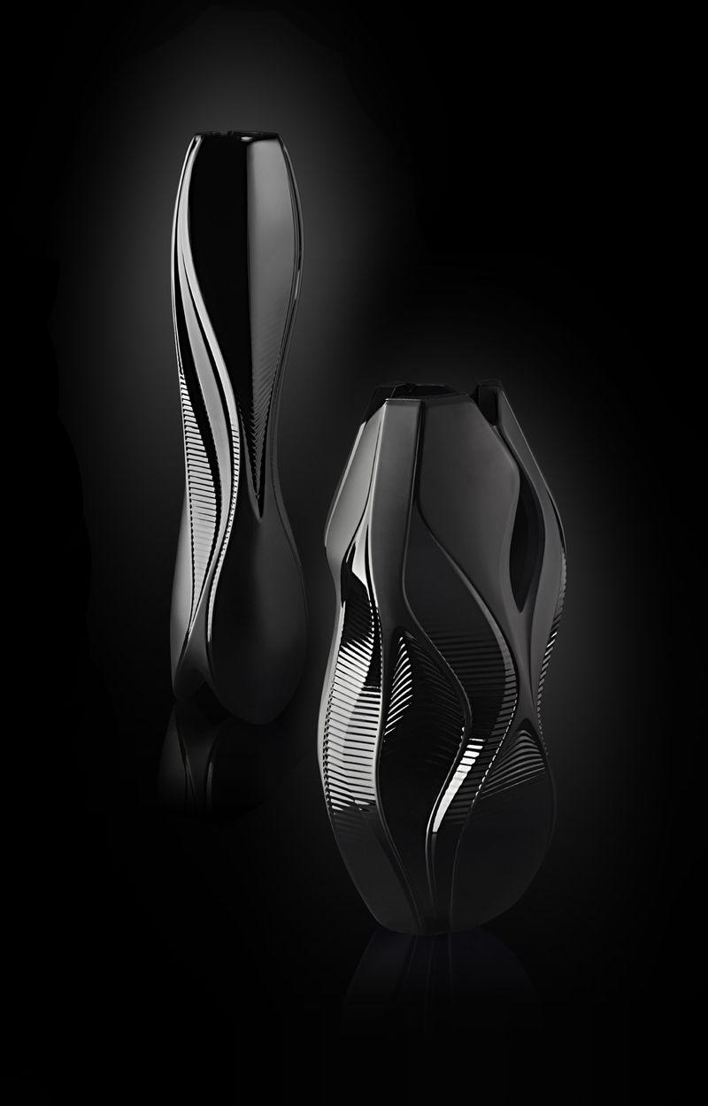 Lalique composition vases noirs Zaha Hadid