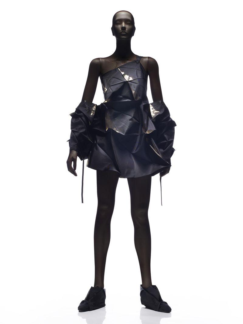 14_Dress and bolero_Issey Miyake