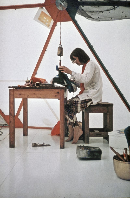 Cherry-Moki_I-Domen-Utopier-och-Visioner__1971_ModernaMuseet_press