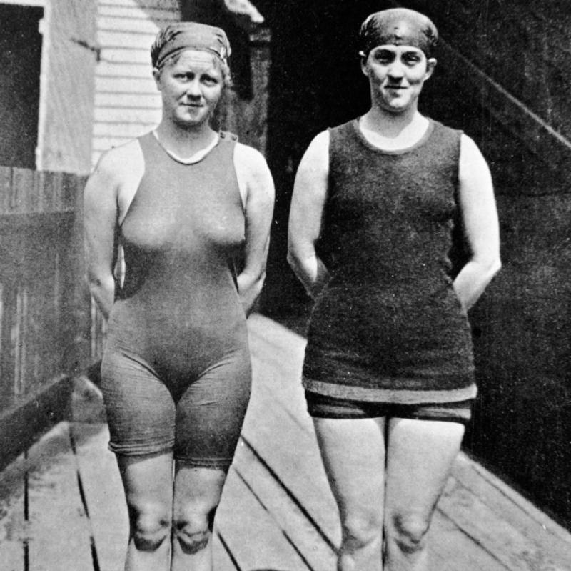 Australian_Mina Wylie and Fanny Durack