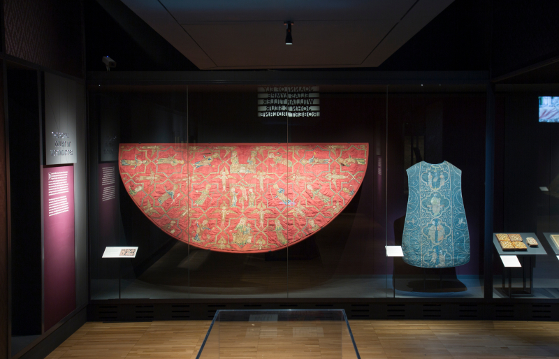 7. Opus_Anglicanum_Installation_View_7