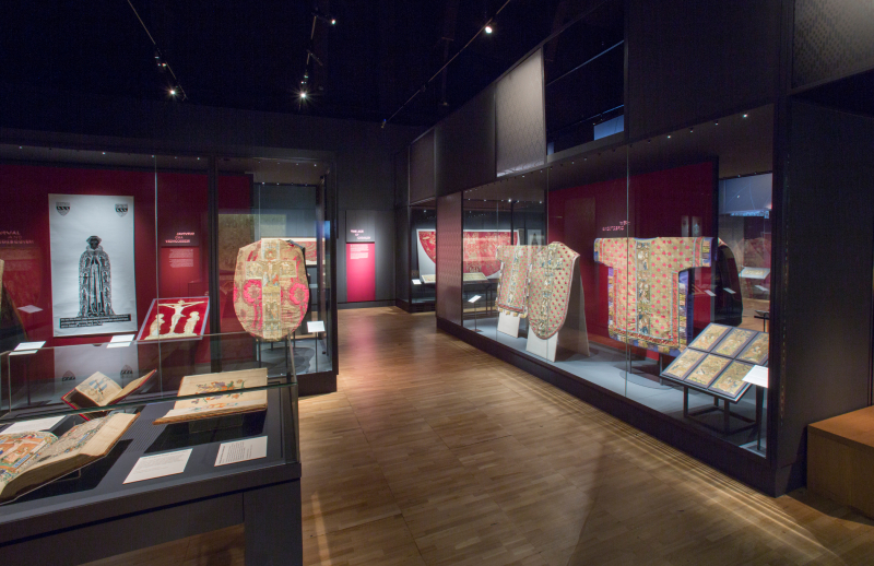 8. Opus_Anglicanum_Installation_View_8