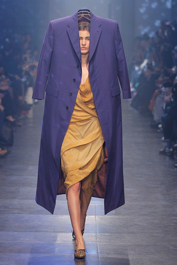 A-Queen-Within-Adorned-Archetypes-Sustainability-Vivienne-Westwood-Gold-Label-Mirror-the-World-SS-2016 Tailored Chelsea Coat and River Dress-Photo-Ugo-Camera