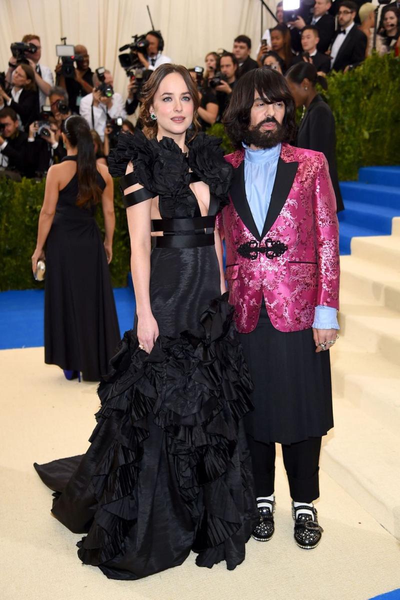 MetGala_Dakota Johnson and Alessandro Michele.