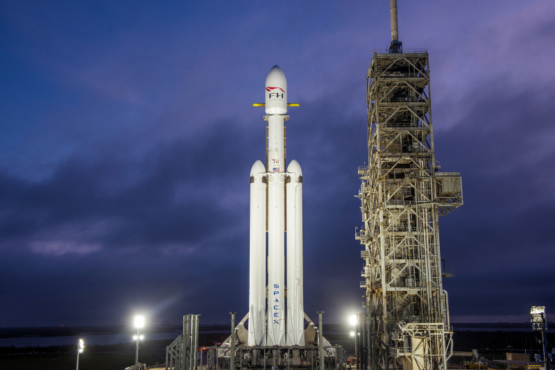 SpaceX_Falcon (8)
