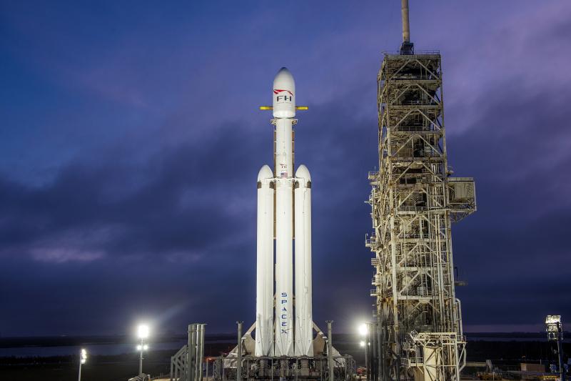 SpaceX_Falcon (8)
