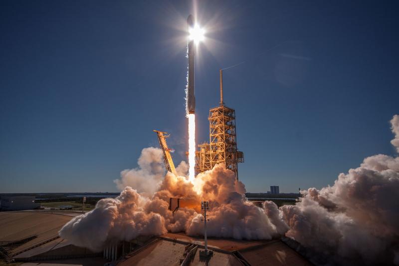 SpaceX_Falcon (7)