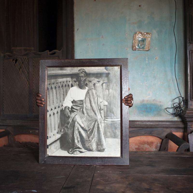 Nicola Lo Calzo  Portrait de David Godonou-Dossou  riche marchand et fondateur de la dinastie Godonou-Dossou  Porto Novo  Bénin  2011  Agoudas series (2007-2016)  Print on Baryta paper  50 x 50cm  courtesy the