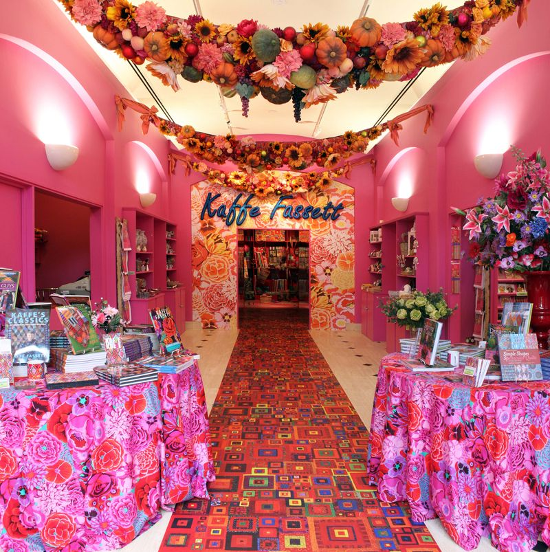 AMiB Kaffe Fassett - Gallery entrance