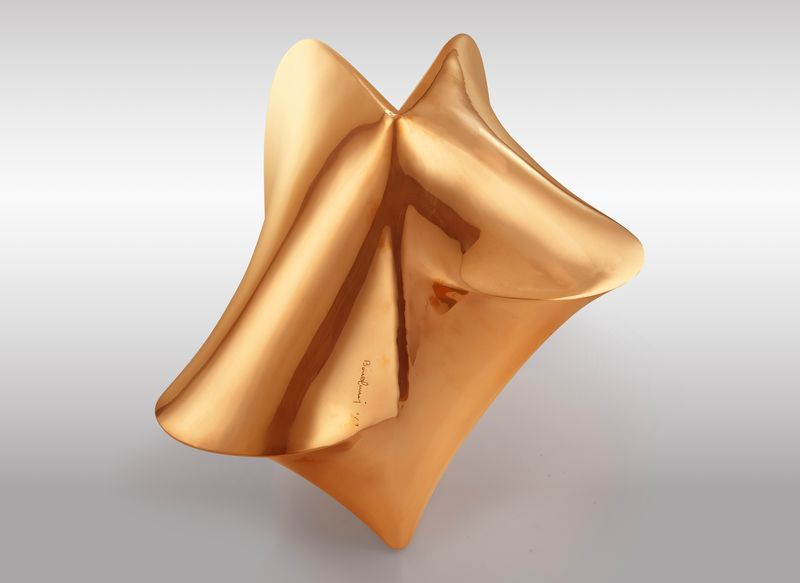 Agostino Bonalumi, Bronzo, 1969-2007, cast bronze, 38.5 x 42 x 45cm, courtesy Archivio Bonalumi and Mazzoleni London