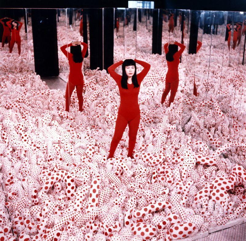 Kusama-Yayoi_Installation-view-Kusama-Infinity-Mirror-Room_1965