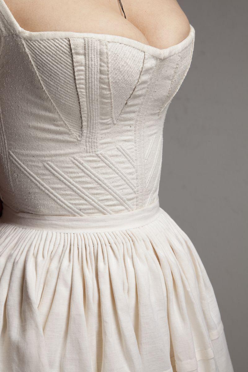 Dialoghi di Filo a Palazzo Morando abito Edoardo Russo dettaglio corsetto