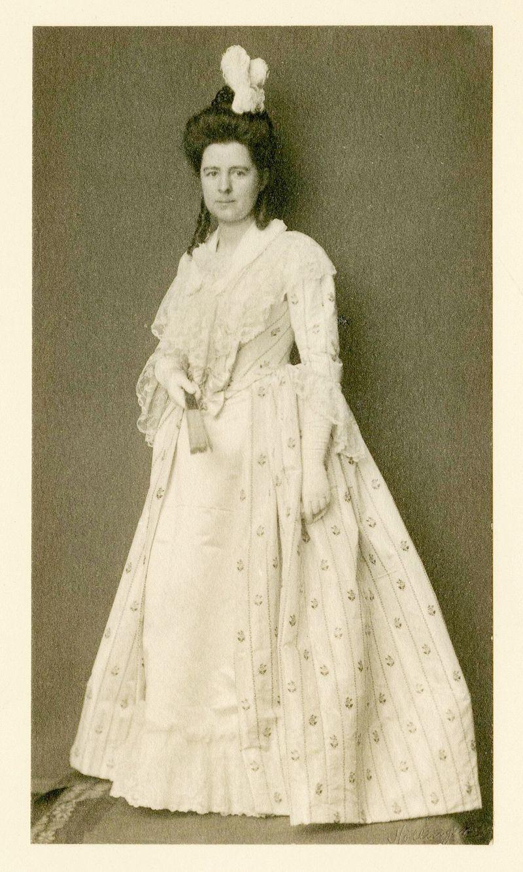Helen_1910