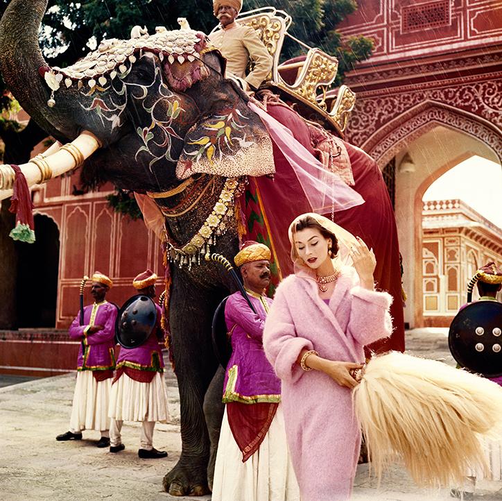 Vogue_100_Anne_Gunning_in_Jaipur_by_Norman_Parkinson