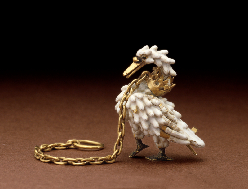 24. The_Dunstable_Swan_Jewel_ca._1400_c_The_Trustees_of_the_British_Museum