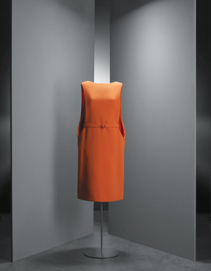 Balenciaga_orangecrepe_1968 (1)