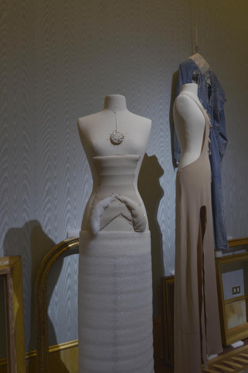 The dresses of oblivion  - 00112