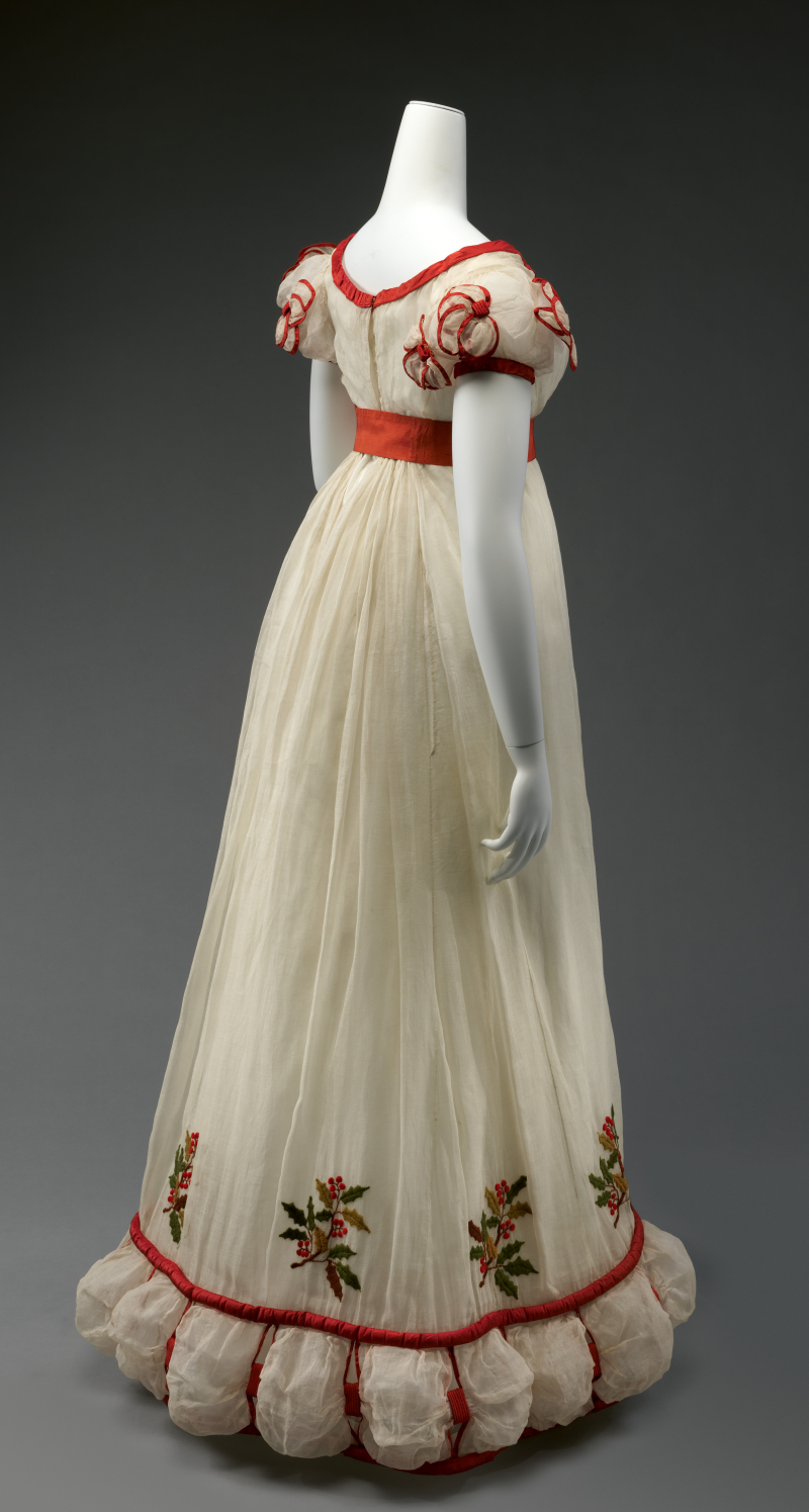 Holly Embroidered Lawn Dinner or Evening Dress  ca. winter 1824-26_b