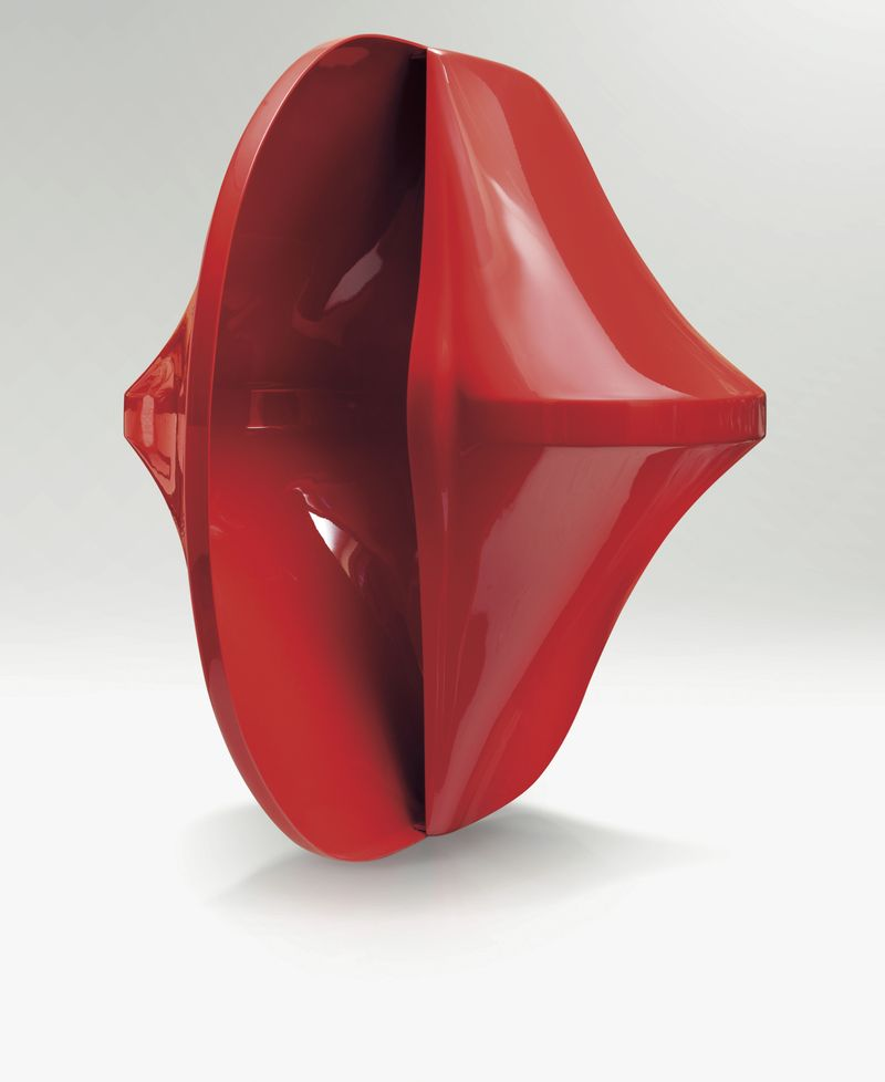 Agostino Bonalumi, Rosso, 1967 - 2005, fibreglass, 140 x 180 x 120cm, courtesy private collection and Mazzoleni London  (1)