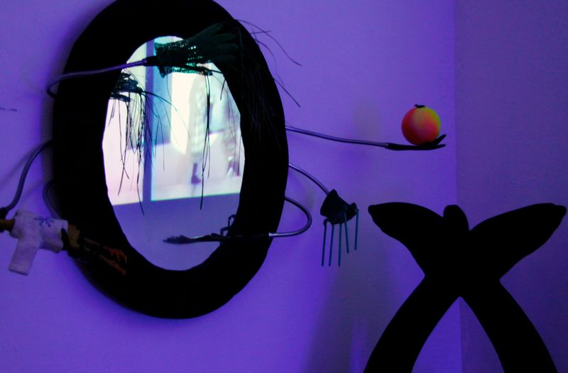 1-Cinzia Ruggeri, Specchio Shatzi, 1998 courtesy 10CorsoComo Milano