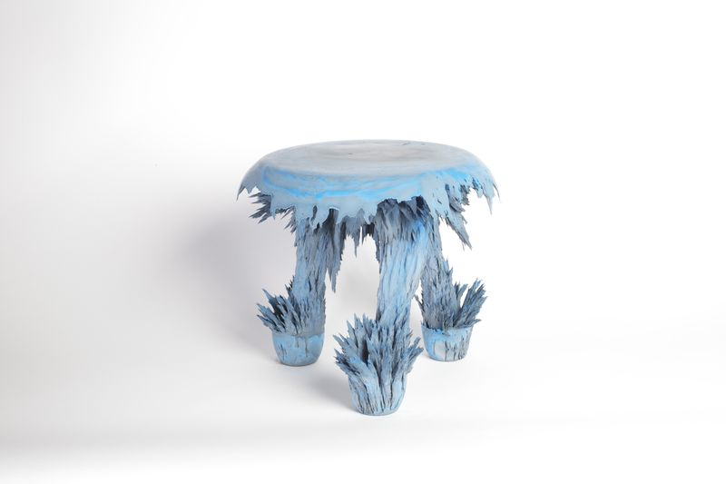 Transnatural_Gravity_stool_bluestool