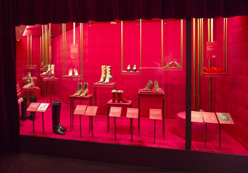 1._Installation_view_of_Shoes_Pleasure_and_Pain_13_June_2015_-_31_January_2016_c_Victoria_and_Albert_Museum_London